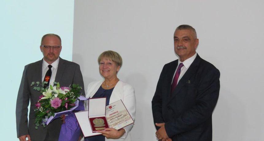 Grad Ogulin proslavio svoj Dan grada - bivšoj direktorici TZ i Ivanine kuće bajki Ankici Puškarić nagrada za životno djelo