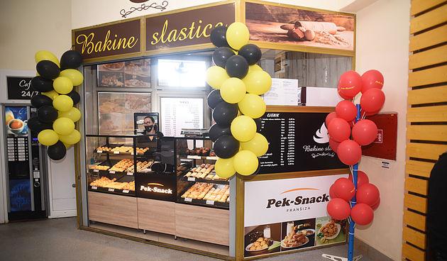 Novo na karlovačkoj gradskoj tržnici! Otvorena trgovina Bakine slastice - štrudle, pite i kolači po receptima naših baka