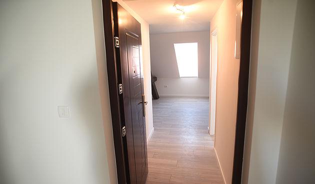 Na prodaju dva stana u Ulici Banija - oba su novoadaptirana, pogledajte više...