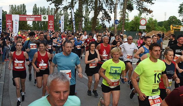 Na masovnoj utrci Karlovačkog Cenera 655 trkača, najuspješniji Slovenci Aleš Lindič i izvrsna Anja Fink