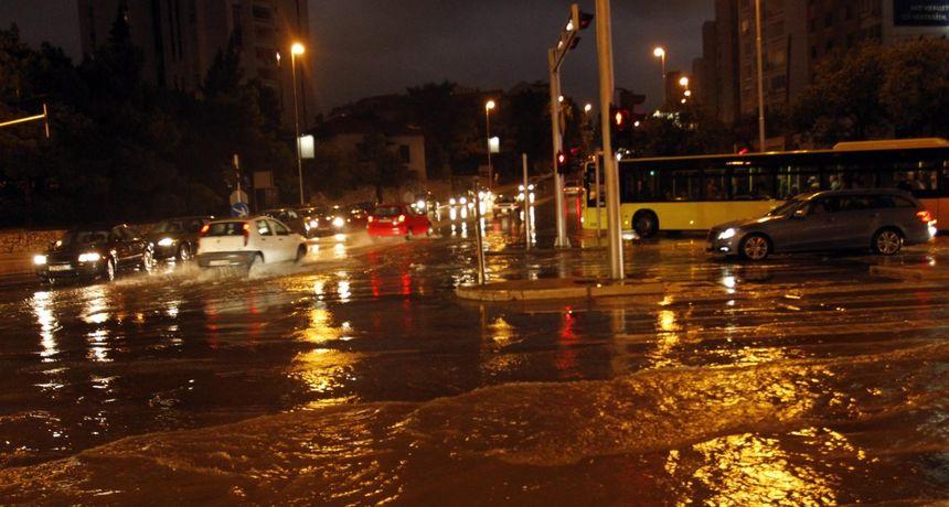 Split, A.D. 2020. 'Poplavljen grad, a vi žedni'