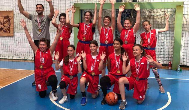 Male Karlovčanke nakon duge pauze zaigrale na Otvorenom prvenstvu Zagreba i osvojile treće mjesto!