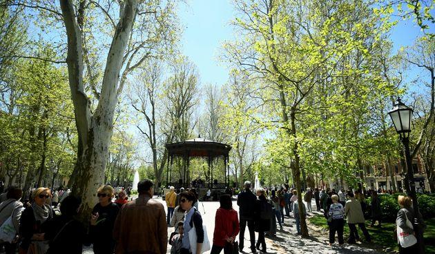 Koncert na Zrinjevcu: Malo tko nosi masku, podsjeća na vrijeme