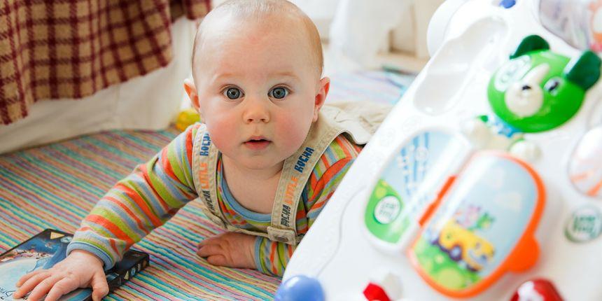 Nikada nije prerano za razgovor: obostrana komunikacija potiče razvoj bebe