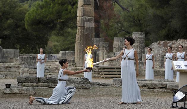 Upaljen olimpijski plamen
