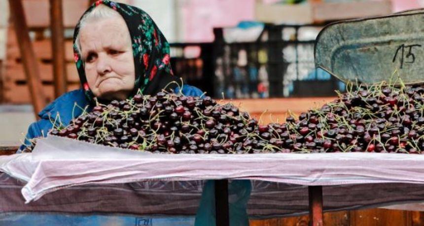 Fotografija o kojoj svi pričaju: Starija gospođa sa zagrebačke tržnice slomit će vam srce