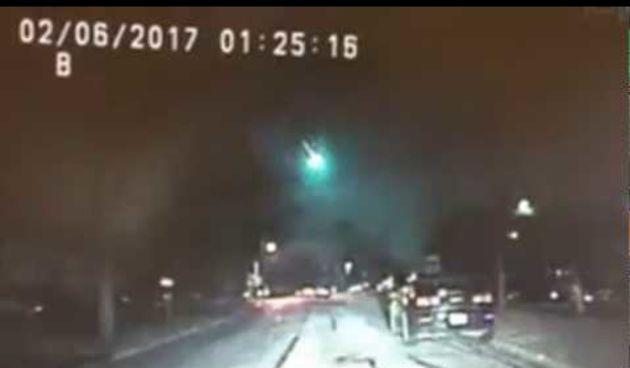 Woah! Spectacular Meteor Caught On Dashcam (thumbnail)