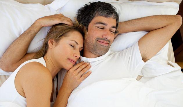 Važne stvari koje sretni parovi uvijek rade prije spavanja