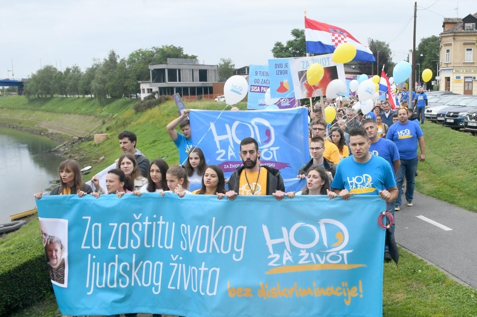 U Sisku održan Hod za život u organizaciji udruge U ime obitelji