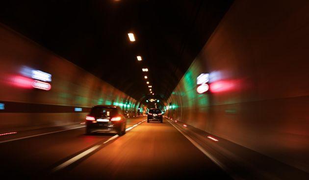 Rezultati očevida tragične nesreće u tunelu M. Kapela: 75-godišnji vozač udario u rubni kamen i prešao u suprotnu traku