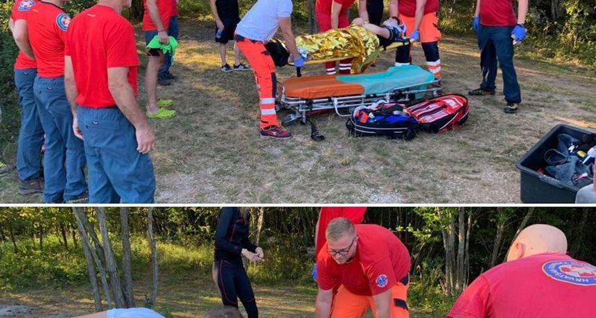 Karlovački HGSS spašavao raftingaša u gornjem toku Mrežnice - stranac doživio nezgodu i ozlijedio kralježnicu
