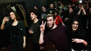 Svirka banda Pearl Jam Project u Kulturani privukla publiku, fire show 'začinio' večer