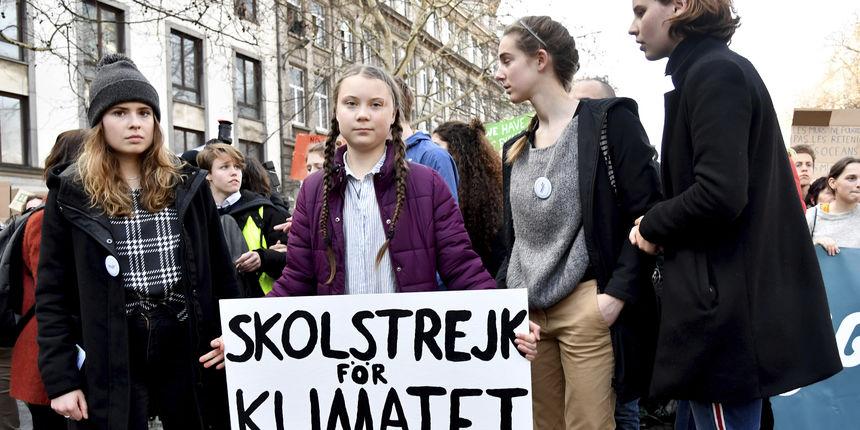 'Naša kuća gori': Švedska tinejdžerica izvukla na ulice tisuće mladih na prosvjede zbog klimatskih promjena