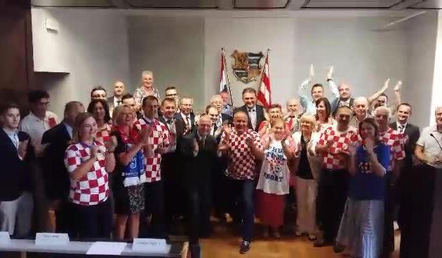 Županijski vijećnici i župan uputili podršku Zlatku Daliću i reprezentaciji uoči polufinala Svjetskog prvenstva (thumbnail)