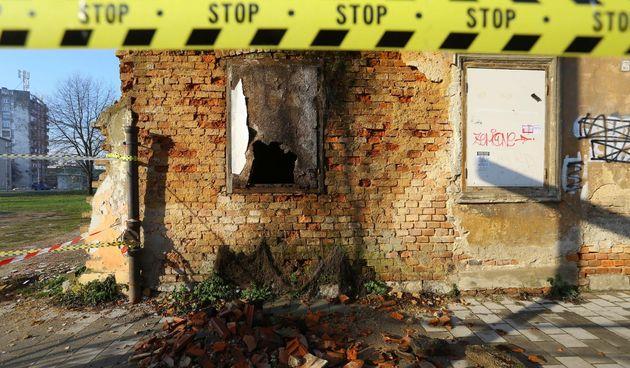 Brojni objekti u Karlovcu su neupotrebljivi i opasni za prolaznike - FOTO GALERIJA Kristina Štedul Fabac/Pixell