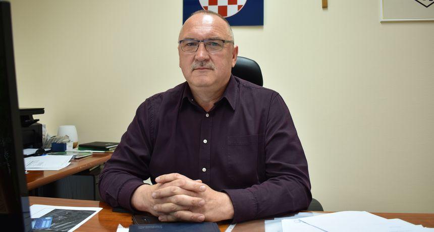 OPĆINA DONJI KRALJEVEC Načelnik Miljenko Horvat odlučio: Svim učenicima po 200 i 300 kuna pomoći