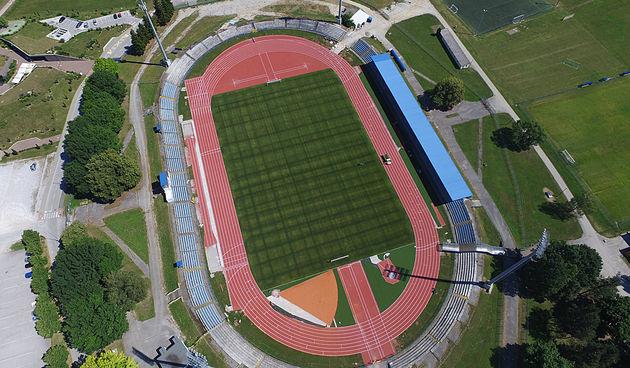Karlovački stadion dobio novu atletsku stazu 1.7.2020.