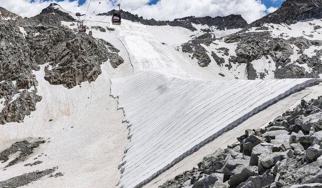ledenjak italija prekrivaju ceradama