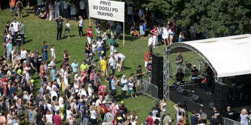 Više od 2.000 ljudi prosvjedovalo protiv gradnje crkve na Savici: 'Obrani park, obrani Grad'