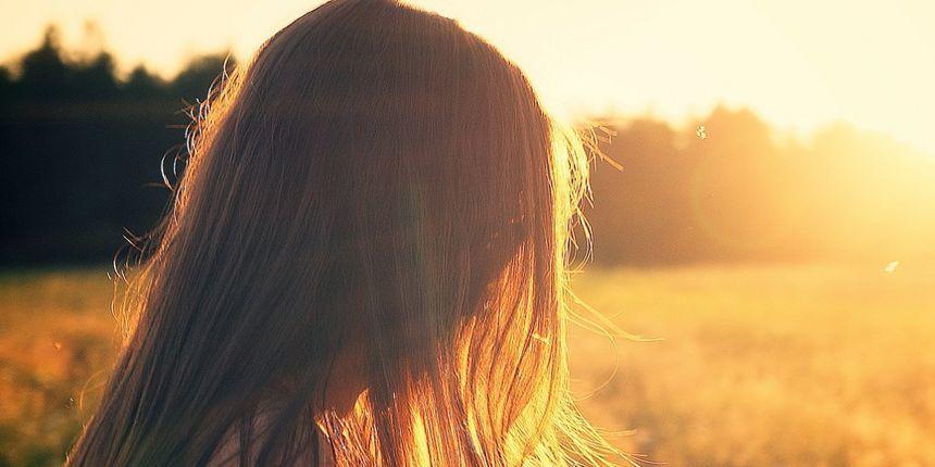 Opadanje kose je normalna pojava, no koliko je kose ipak previše i kada treba posjetiti liječnika?