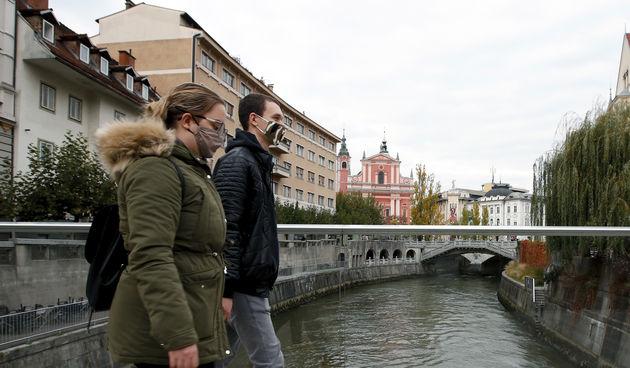 Slovenija ljubljana maske covid korona