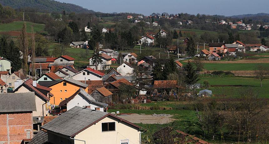 Karlovačka županija pomaže mladim obiteljima na ruralnim područjima da dođu do vlastitog krova nad glavom: Pripremili smo milijun kuna i nadamo se da će trebati još!