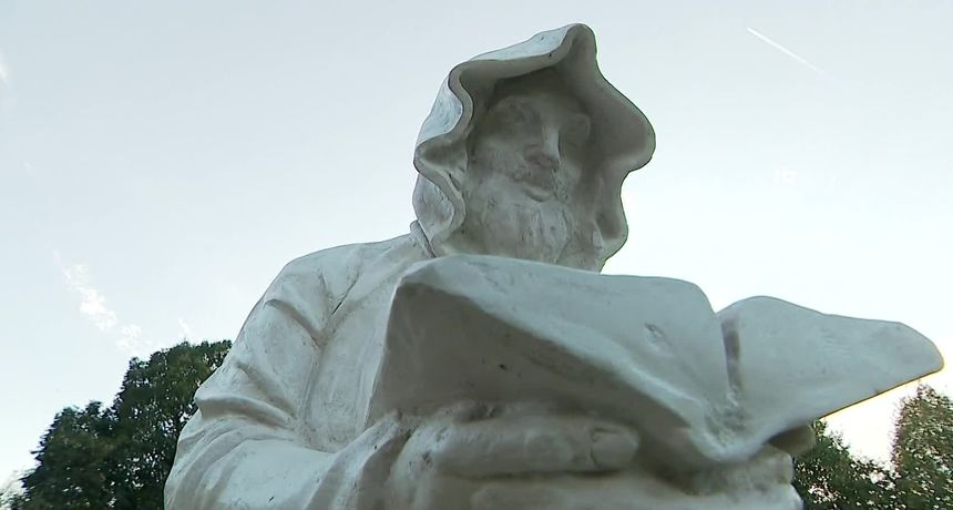 Afera 'Čehokove skulpture' sve gora: '431.000 kuna, a nisu izrađene u skupocjenom kamenu nego poliesteru'