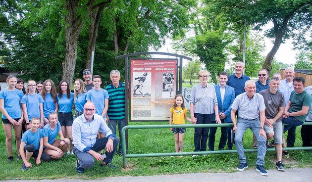 Na starom atletskom otkrivena sportsko-turistička ploča atletskim olimpijcima iz Karlovca, Filip Mihaljević prva zvijezda prvenstva Hrvatske