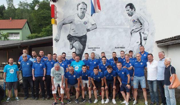 Na dugoreškom Gradskom stadionu muralom ovjekovječeni nogometaši Dragutin Drvodelić – Drda i Željko Perušić