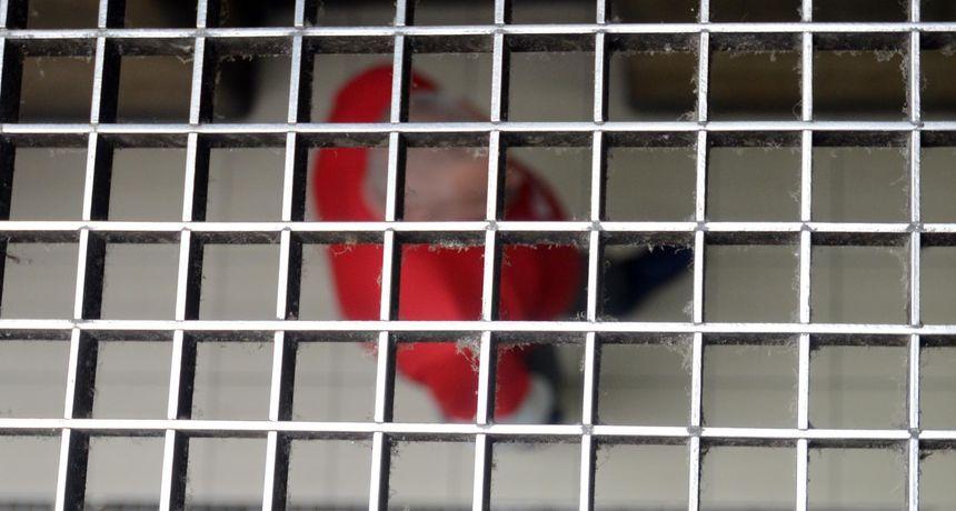 Sva kreativna mjesta na kojim zatvorenici skrivaju mobitele: Tertapak, spužve, kutije keksa...