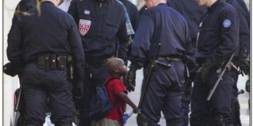 Pariz: Oslobođeni taoci iz trgovačkog centra