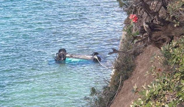 U slijetanju automobila u more poginula osoba iz Osijeka