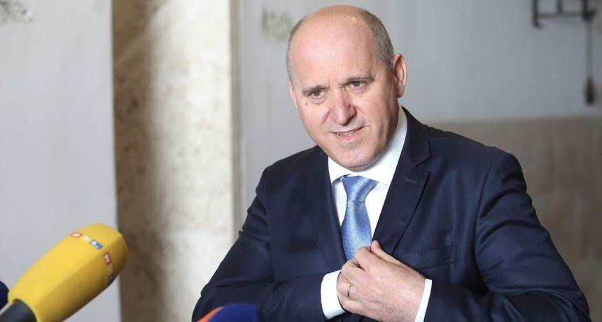 Bačić odgovorio zašto Plenković nije dao izjavu nakon Predsjedništva HDZ-a: 'Istupit će kada bude oportuno'