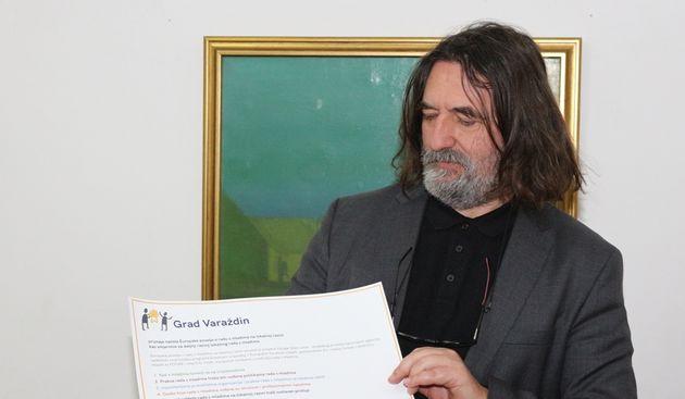 Gradonačelnik Ivan Čehok potpisao Europsku povelju o lokalnom radu s mladima