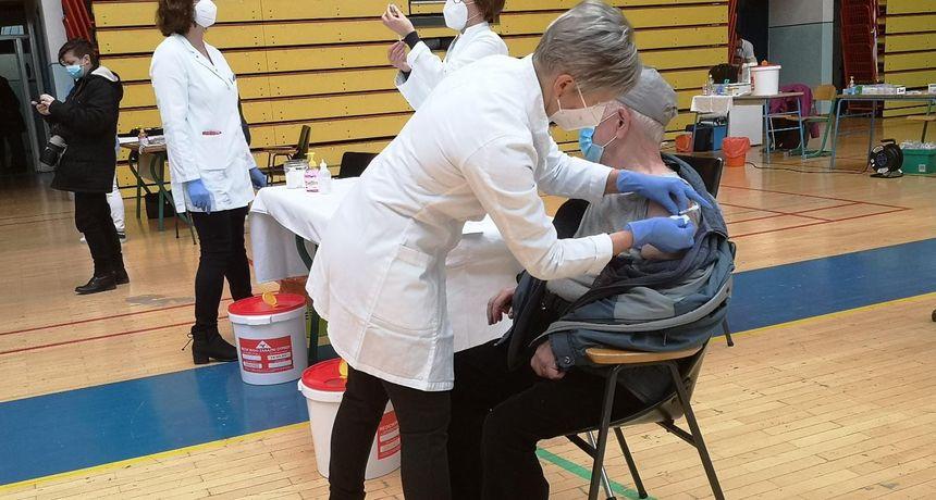 Treba li uopće davati drugu dozu cjepiva? Epidemiolozi tvrde da je već nakon prve učinkovitost 92,6 posto