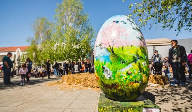 Uskrsni korzo u Belom Manastiru
