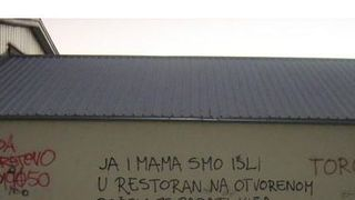 Grafit koje je mnoge nasmijao: 'Ja i mama išli smo u restoran...'
