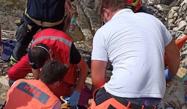 Intervencija izvlačenja unesrećene osobe s nepristupačnog terena na rtu Kamenjak