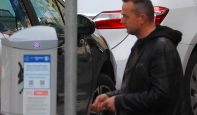 Hakirani parking automat: Pogledajte urnebesnu skrivenu kameru u centru Splita
