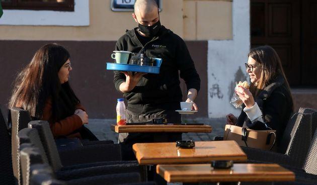 Nakon tri mjeseca Osječani ponovo sjeli na terase kafića