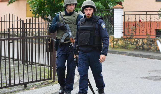 Požega: Muškarac se zabarikadirao u kuću i prijeti da će se raznijeti bombom