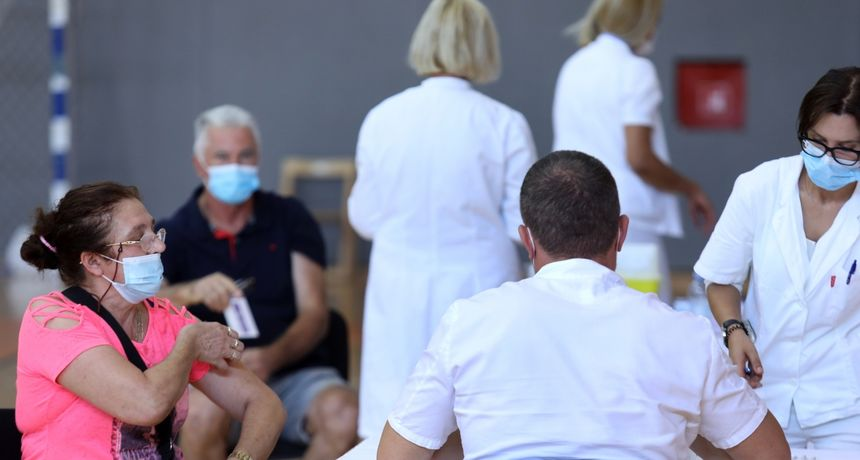 Stožer objavio brojke: Danas imamo 807 novozaraženih, umrlo je 13 osoba