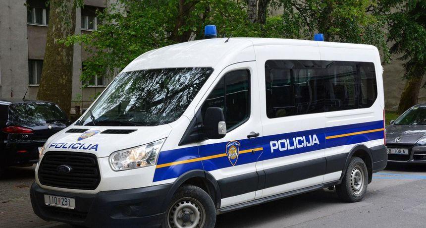 Policija traži spretnog lopova: Preskočio ogradu i ukrao nekoliko tisuća litara goriva iz cisterne