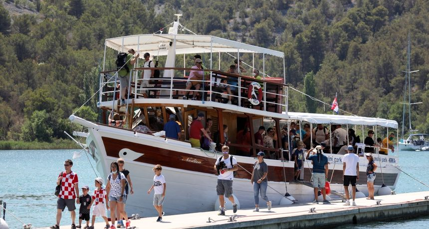 Izleti, nacionalni parkovi, gastronomija: Domaćim turistima do 50 posto niže cijene u listopadu