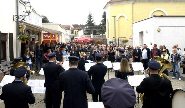Uz takt Bobićeve koračnice, obilježen Dan varaždinskoga placa