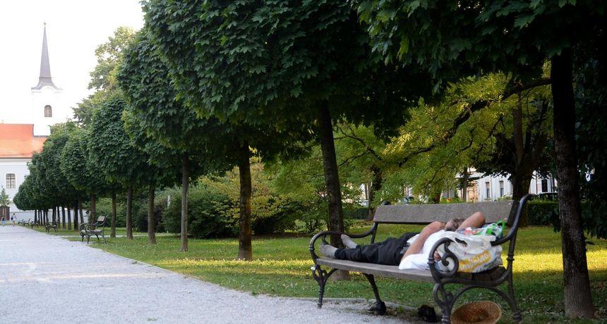 Kako se dobro naspavati tijekom paklenih vrućina? Pročitajte najvažnije savjete stručnjaka...