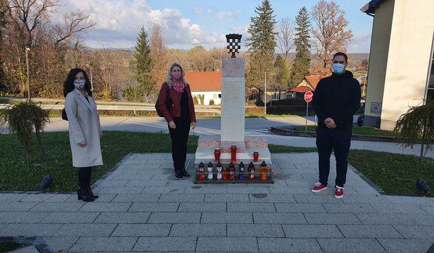 Tužna obljetnica pada grada Vukovara i žrtve Škabrnje obilježana i u Ozlju