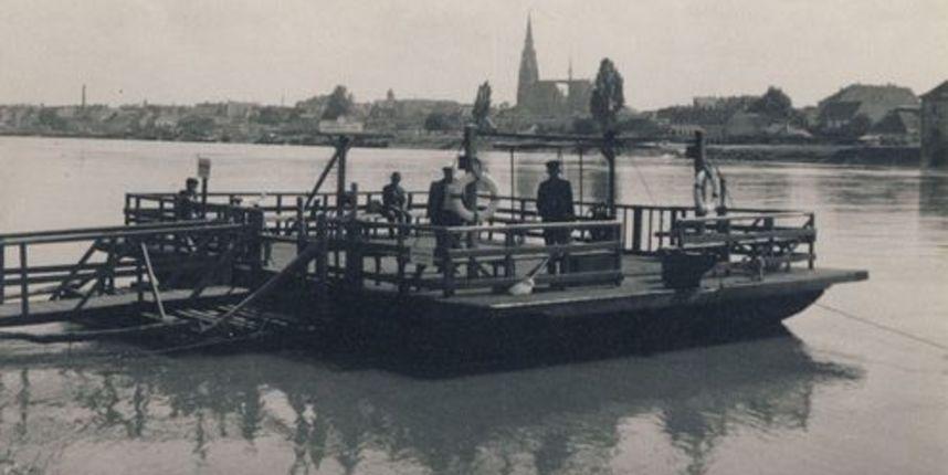 Osječka kompa prevozi putnike preko Drave od davne 1918. godine