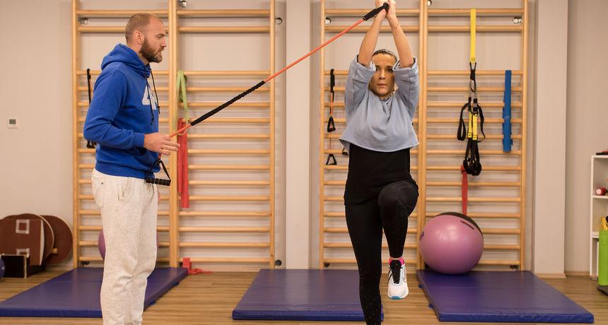 'Mama u formi': Vježbe s elastičnim otporom