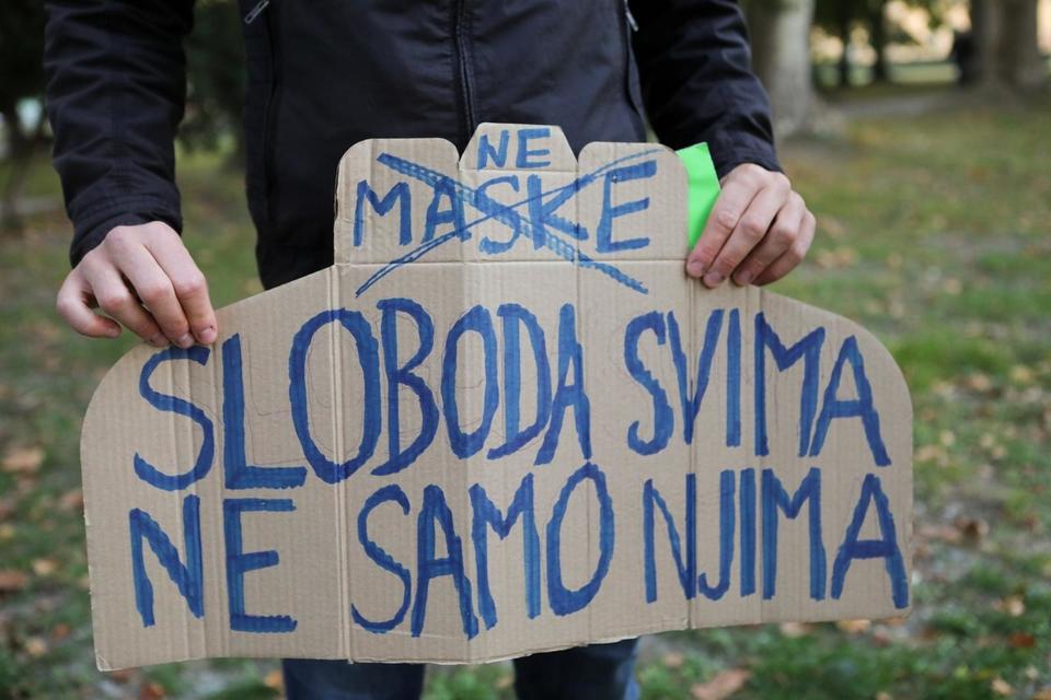 Prosvjed ispred KBC-a Osijek